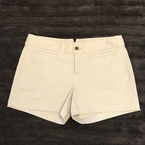 "Banana Republic 3.5"" Khaki Shorts✨ Size 8 - NWOT"